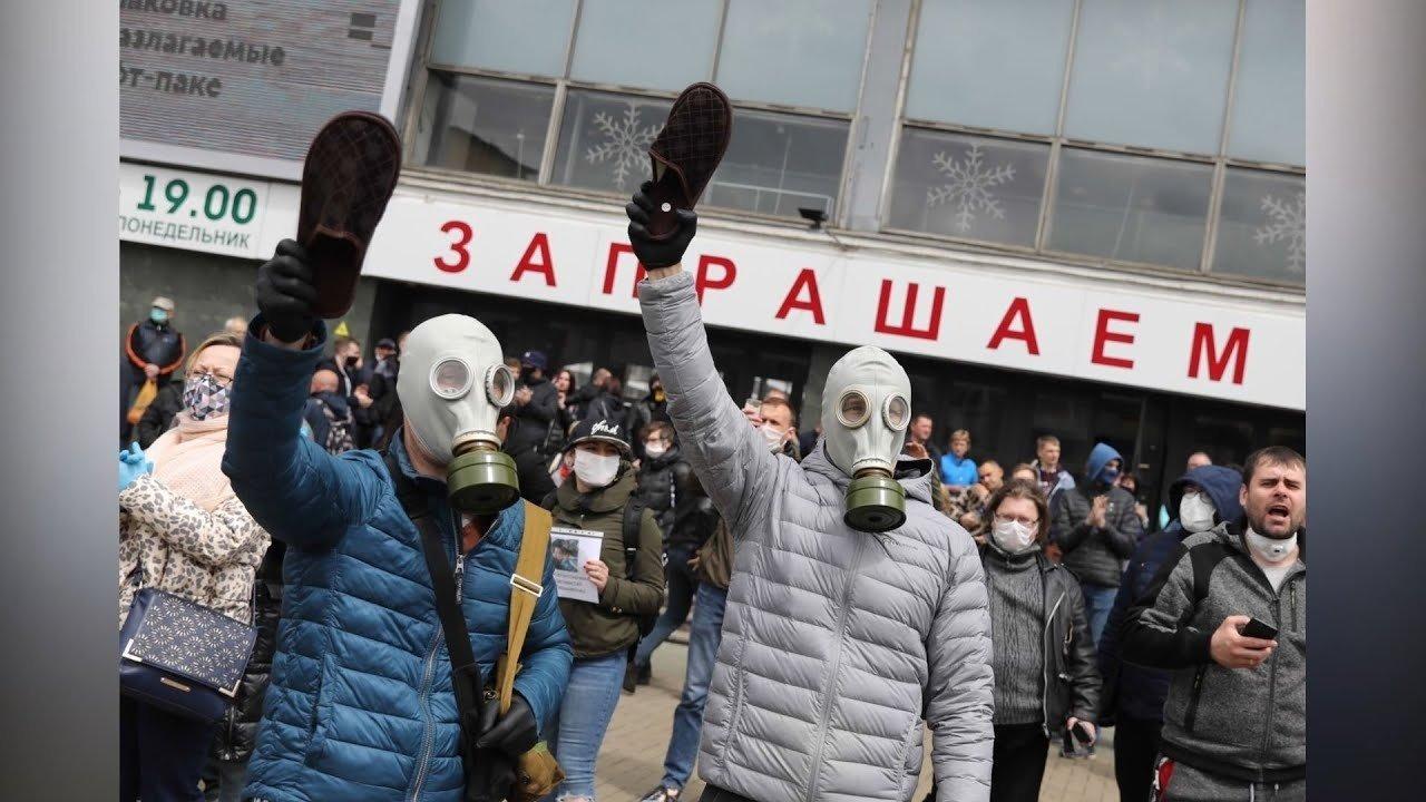 Daugiau kaip 100 tūkst. baltarusių eitynėse mitinge reikalavo A. Lukašenkos pasitraukimo