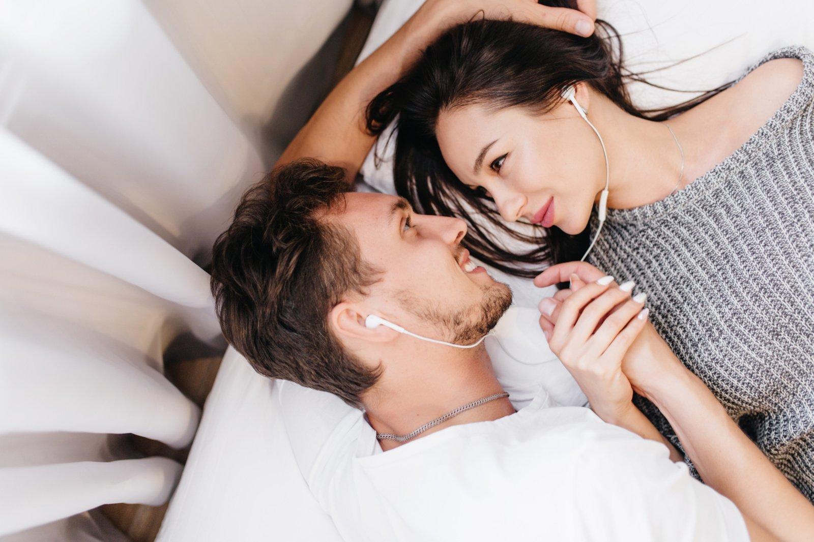 Tyrimas atskleidė populiariausius erotinius sapnus: ar teko tokius sapnuoti?