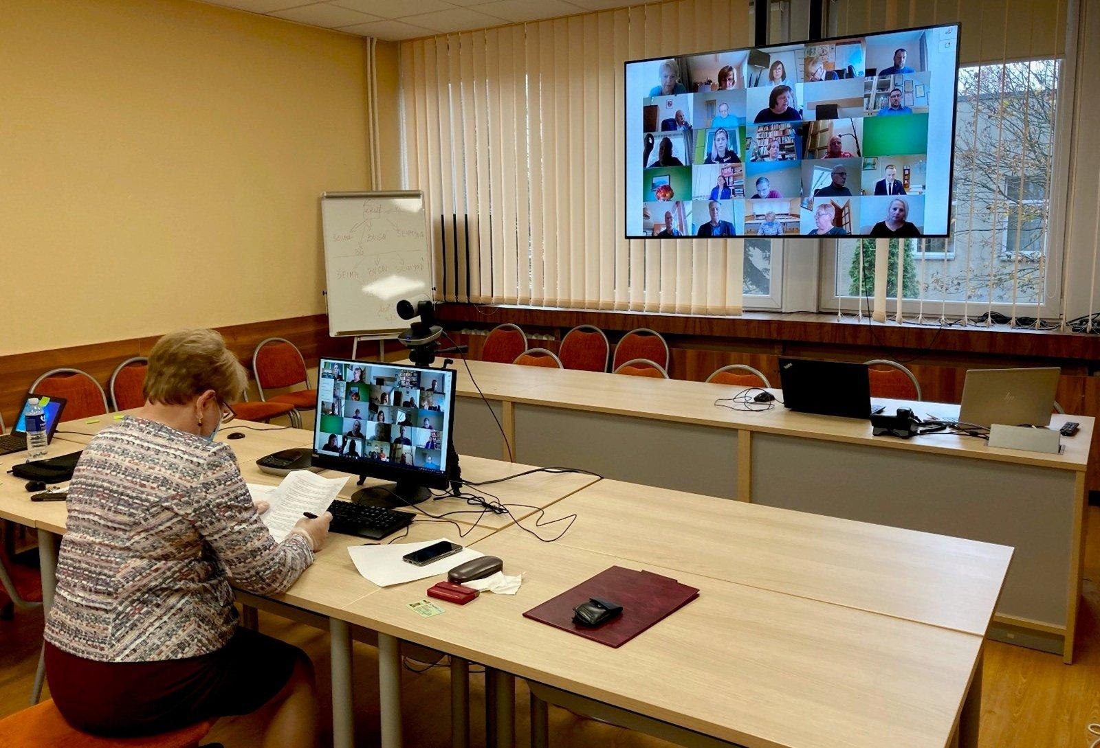 Vilniaus rajono savivaldybės taryba svarbius gyventojams sprendimus priėmė nuotoliniu būdu