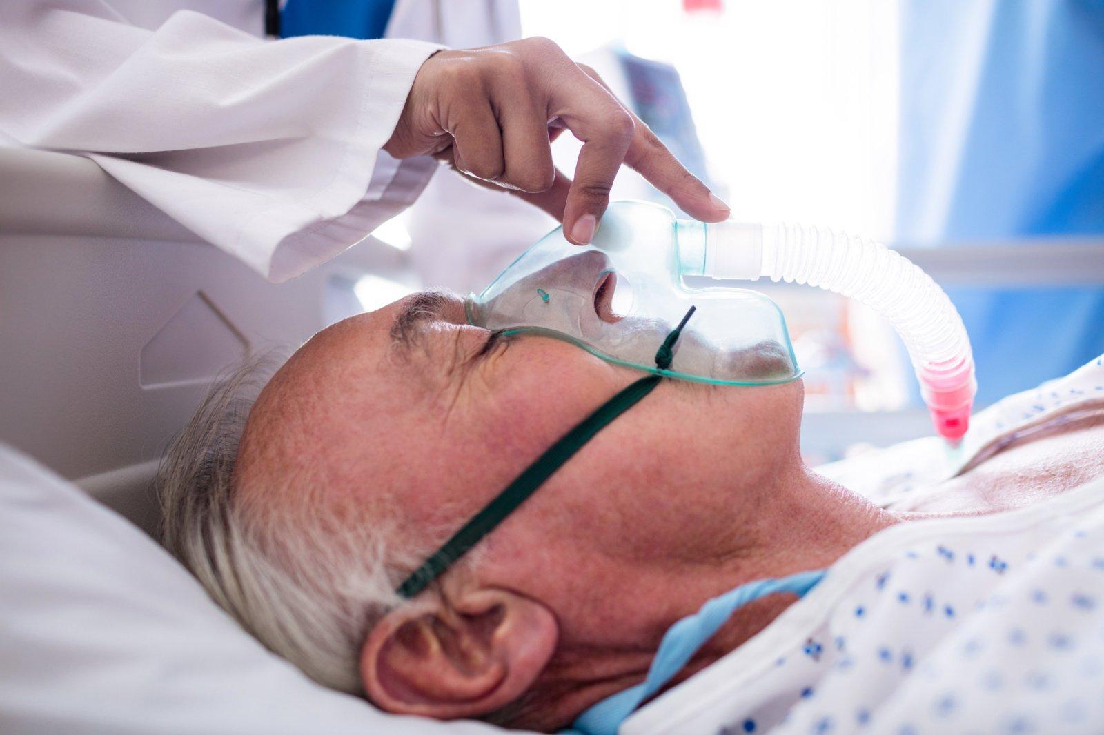 Europoje koronaviruso aukų skaičius viršijo 400 000