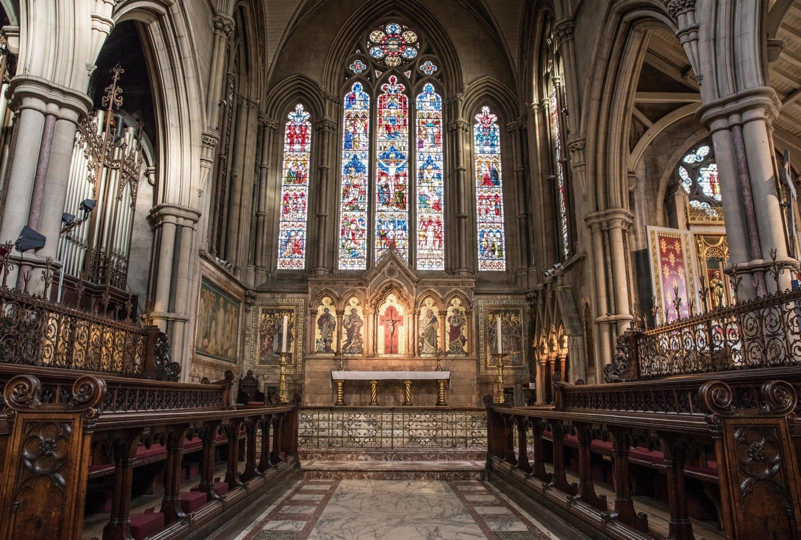 Bažnyčios  liks atvertos tikintiesiems