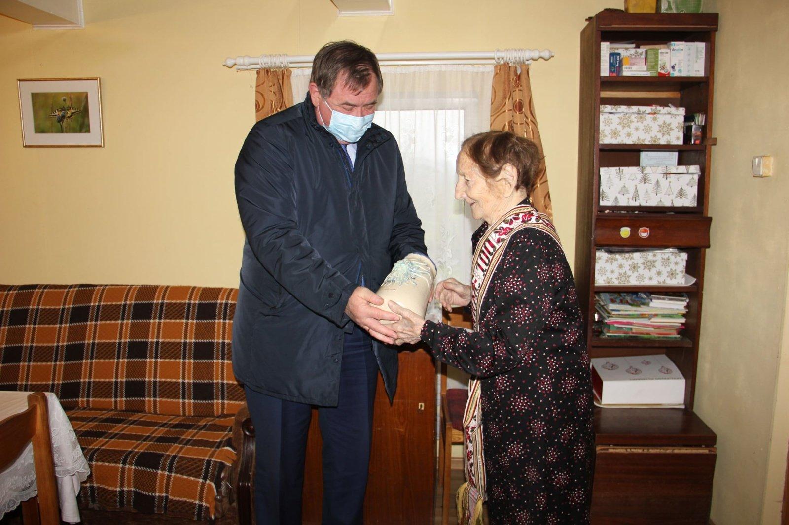 Pasveikinta šimtametė Janė Lazauskienė