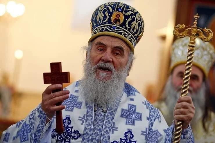 Tūkstančiai žmonių dalyvavo nuo koronaviruso mirusio Serbijos patriarcho laidotuvėse