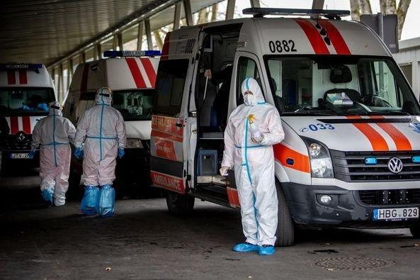 Ligoninėse vykstant kovai už žmonių gyvybes, visuomenės prašoma sąmoningumo (nuotraukos)
