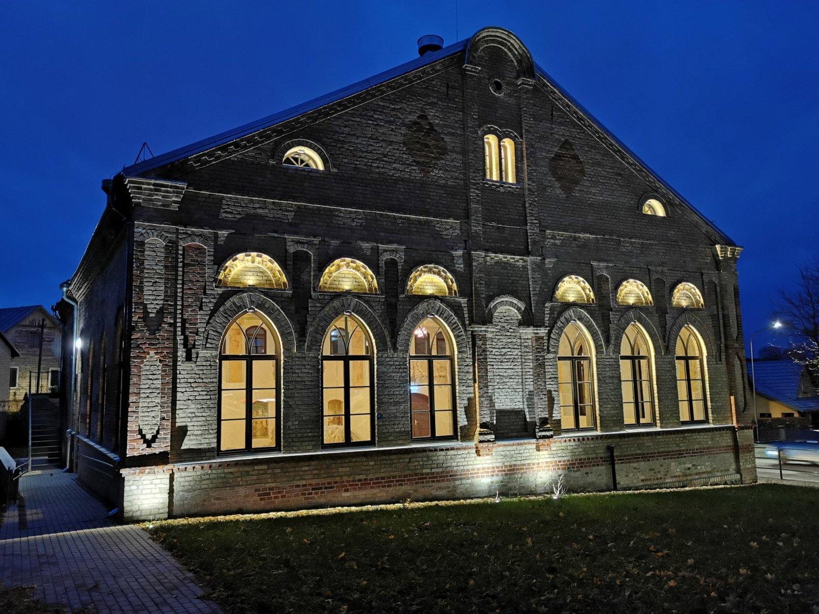 Alytaus sinagogos pastato istorija: ir maldos namai, ir druskos sandėlis, ir viščiukų perykla