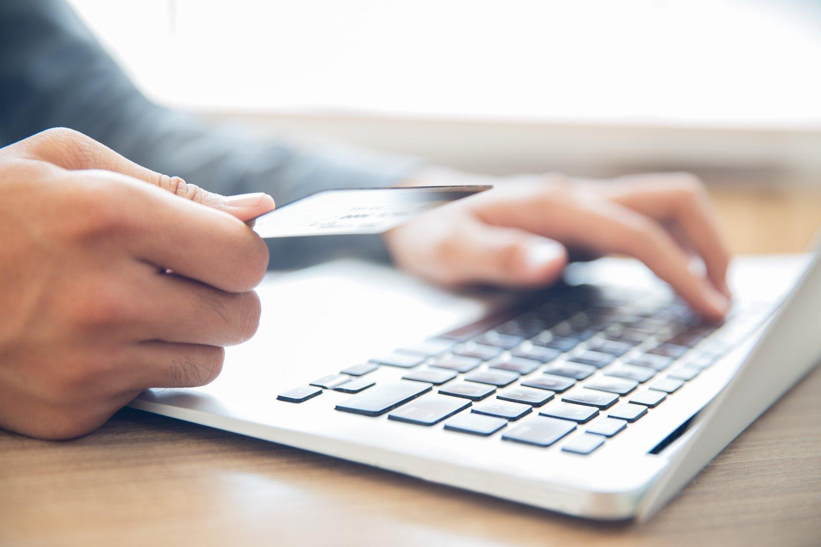 Karantinas išaugino internetinių parduotuvių paklausą