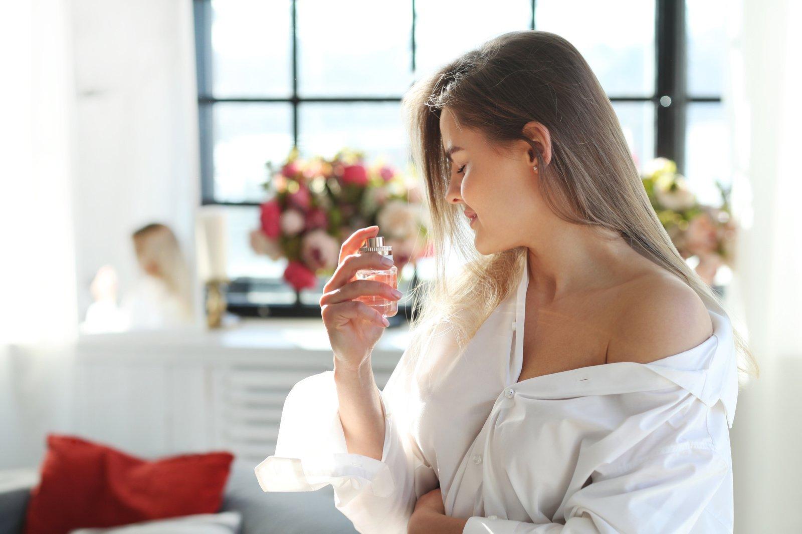 Kvepalų tendencijos 2021 metais: populiariausi kvepalai vyrams ir moterims