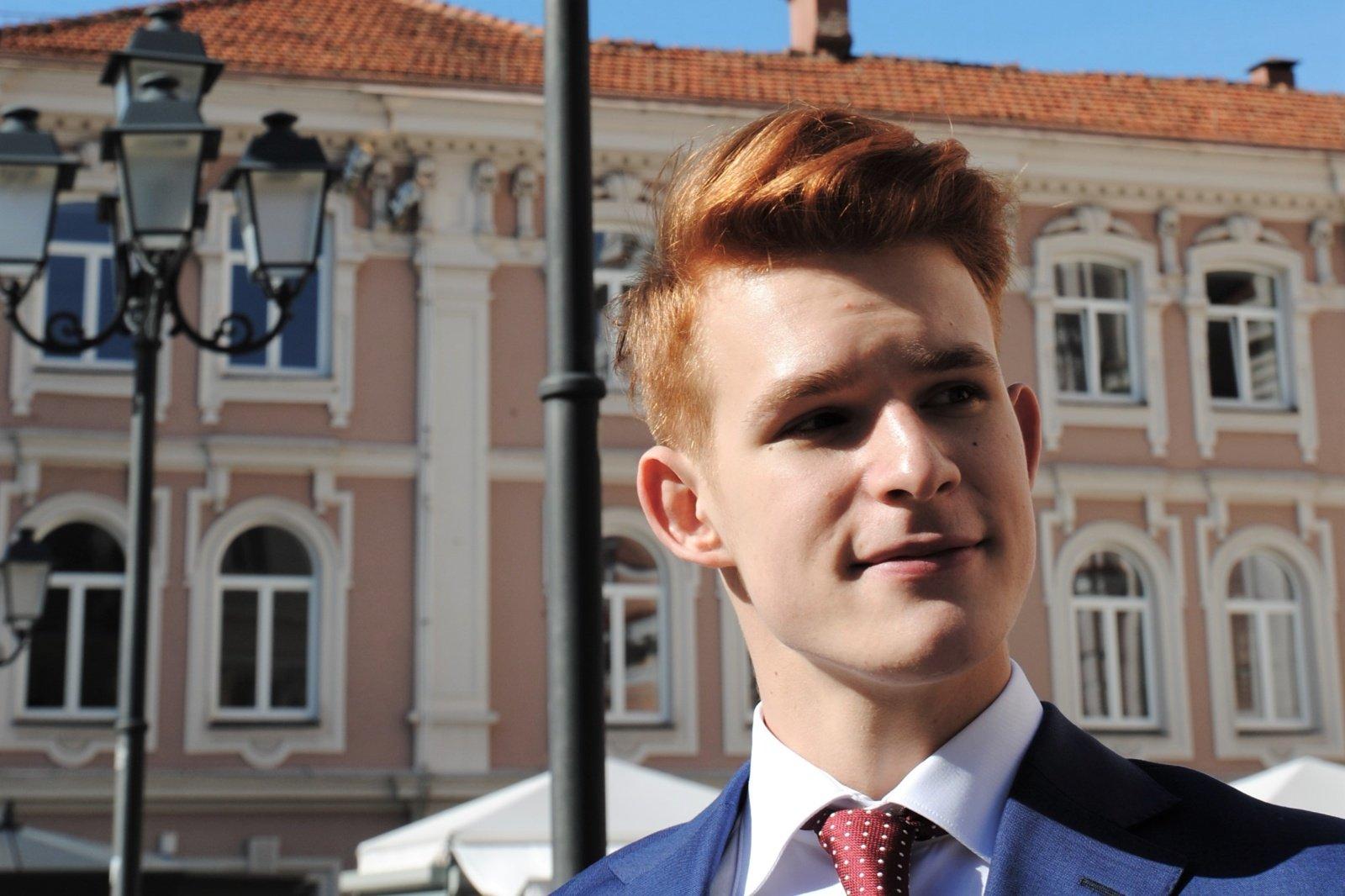Su dirbtiniu intelektu savo gyvenimą norintis sieti lietuvis: tai neabejotinai keis ir darbo rinką