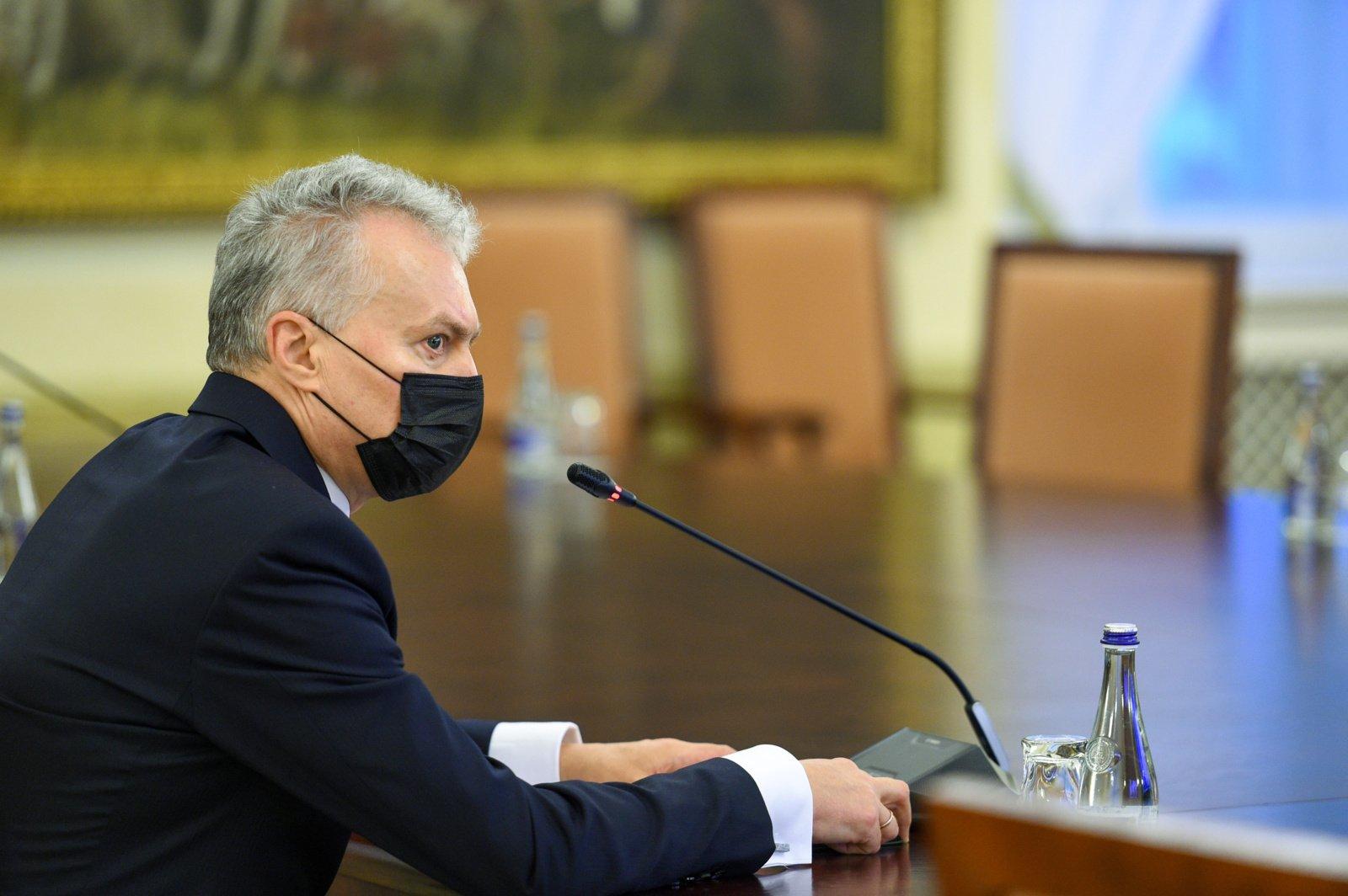 """Prezidentas sako esąs pasirengęs pasiskiepyti """"AstraZeneca"""" vakcina"""