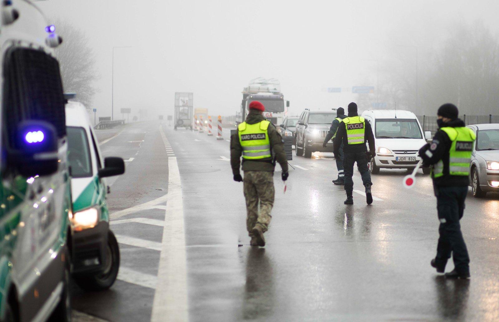 Per pastarąsias keturias dienas apgręžti 1235 vairuotojai, savaitgalį kurortiniai miestai bus užtverti