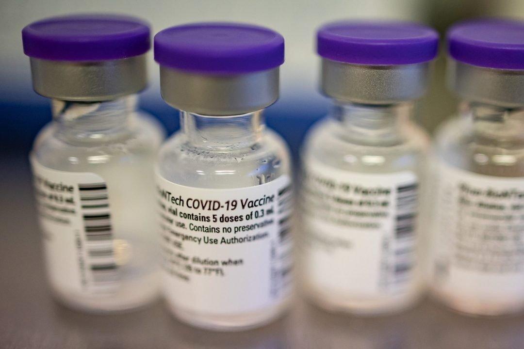 STT: yra rizika, kad gali formuotis vakcinos nuo COVID-19 juodoji rinka