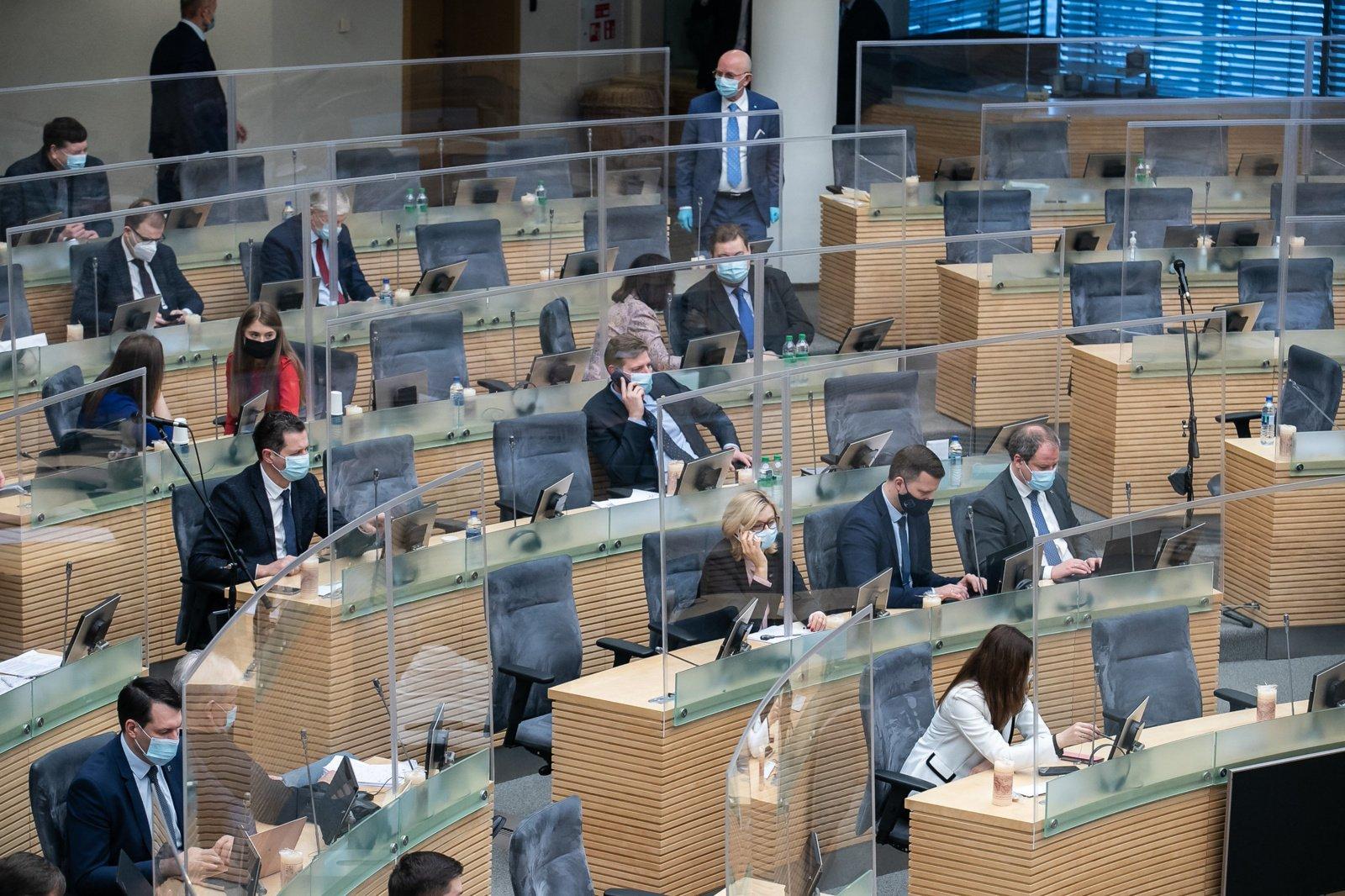 Į pavasario sesiją Seimas rinksis gyvai, dėl nuotolinių posėdžių bus sprendžiama atskirai