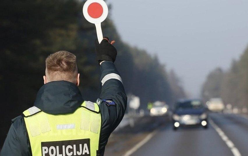 Šventiniu laikotarpiu pareigūnai fiksavo Kelių eismo taisyklių pažeidimus