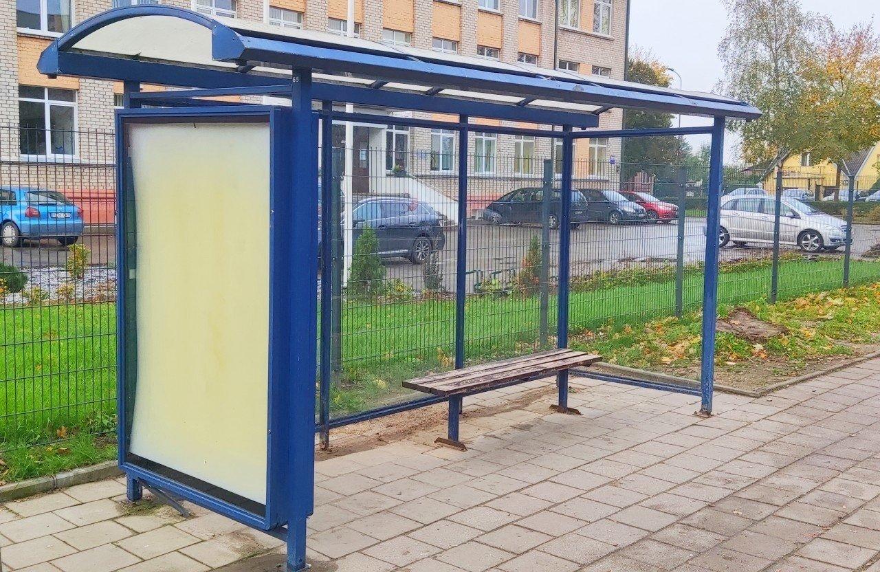 Naujų šeimininkų laukia laisvos patalpos ir paviljonai autobusų sustojimuose