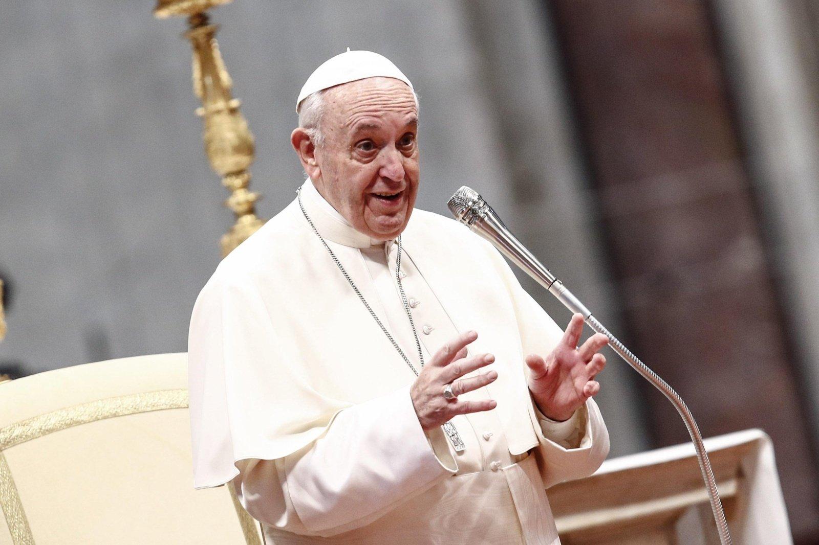 Popiežius pasiskiepijo nuo COVID-19