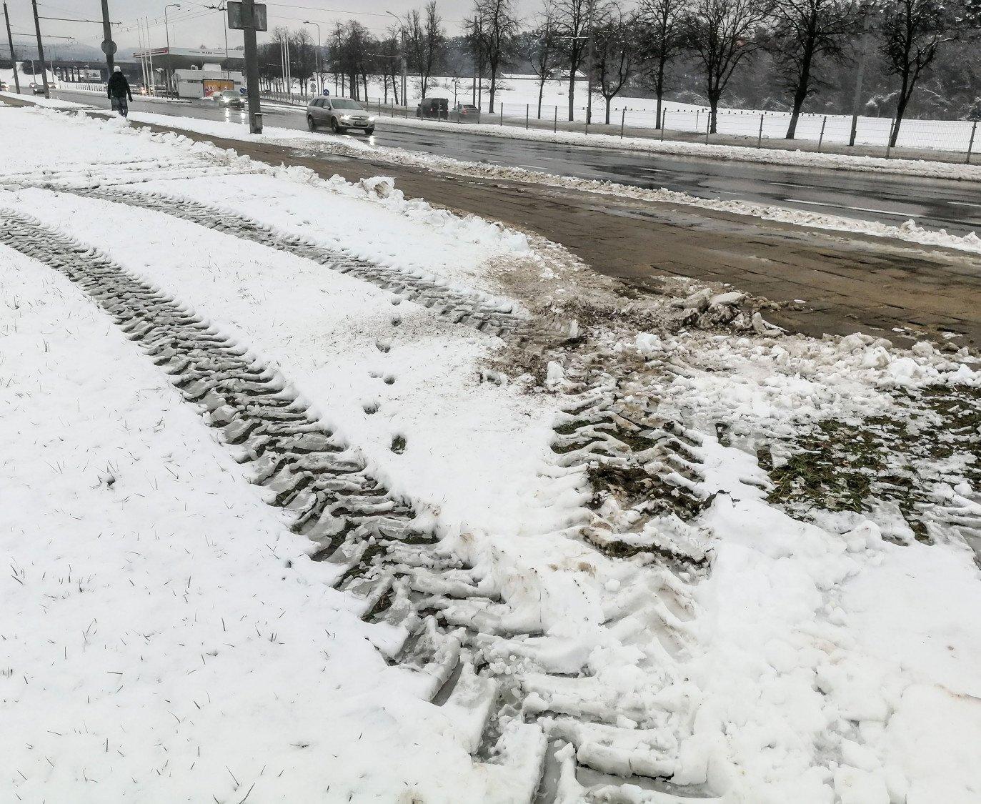 Visoje šalyje eismo sąlygas sunkina snygis, sudėtingesnės sąlygos – Šiaurės vakarų Lietuvoje