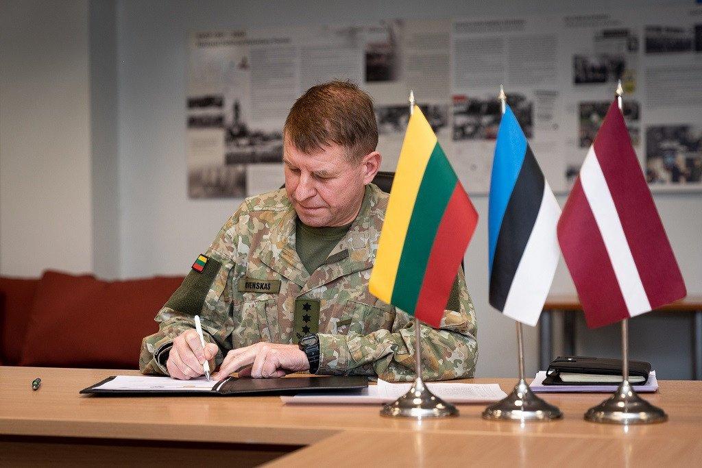 Pasirašyta trijų Baltijos šalių Savanorių pajėgų bendradarbiavimo sutartis