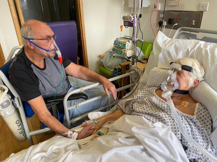 Prieš mirtį medikai leido susitikti koronavirusu sergančiai porai