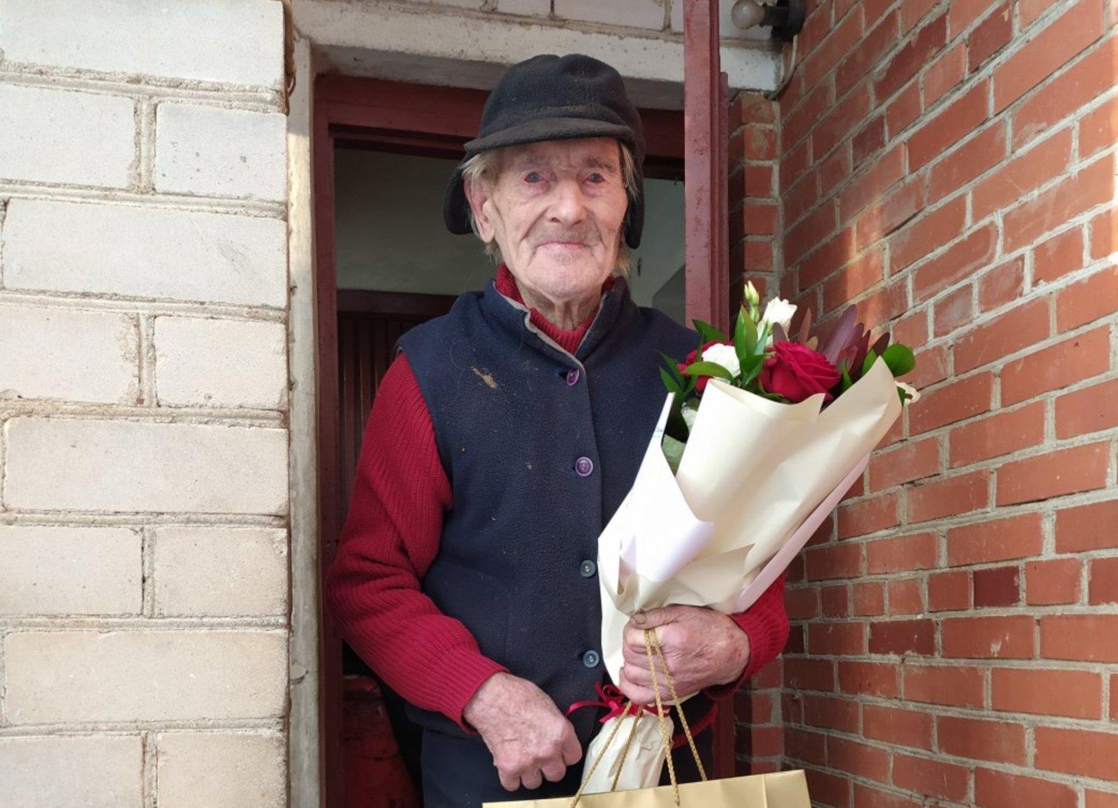 Pasveikintas Kruopių šimtametis