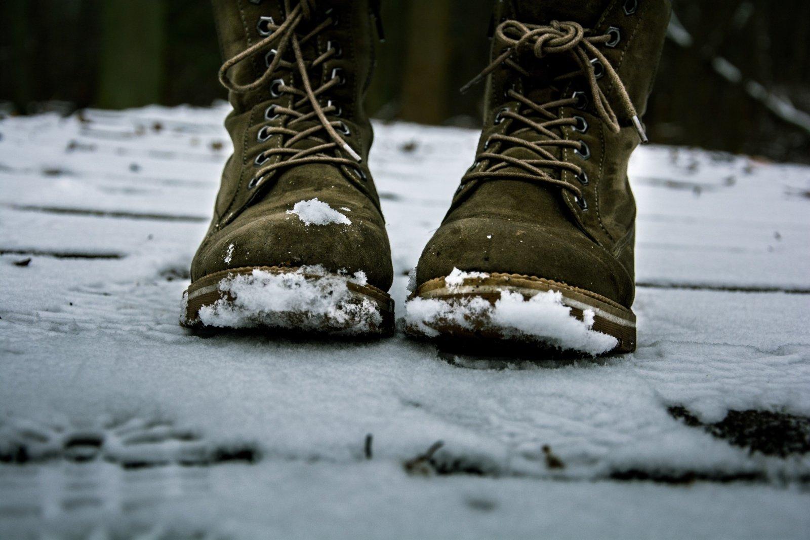 Kaip pašalinti druskos dėmes nuo batų ir išvengti naujų atsiradimo?