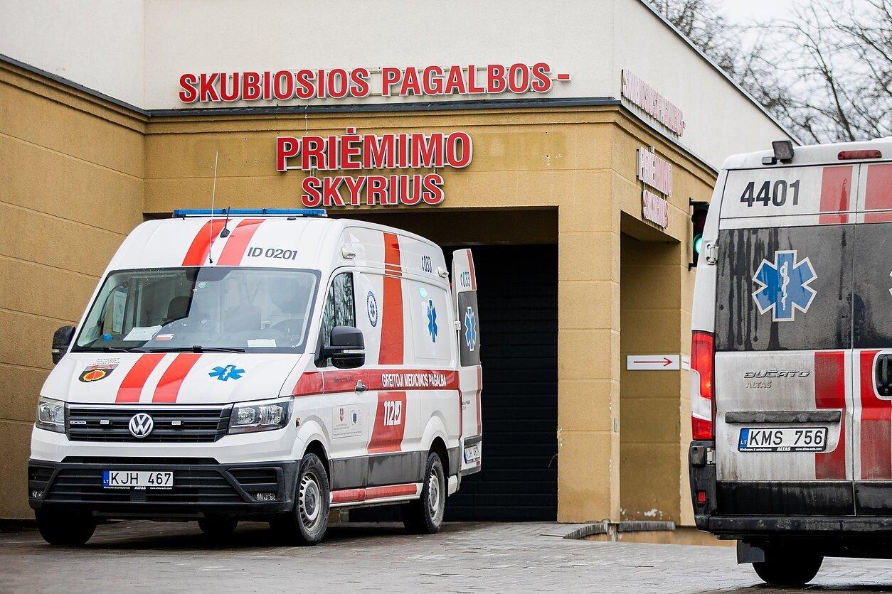 Ligoninės vadovas apie jauno paciento mirtį nuo COVID-19: neturėjo jokių gretutinių ligų, o organizmas 35 paras neatsakė į gydymą