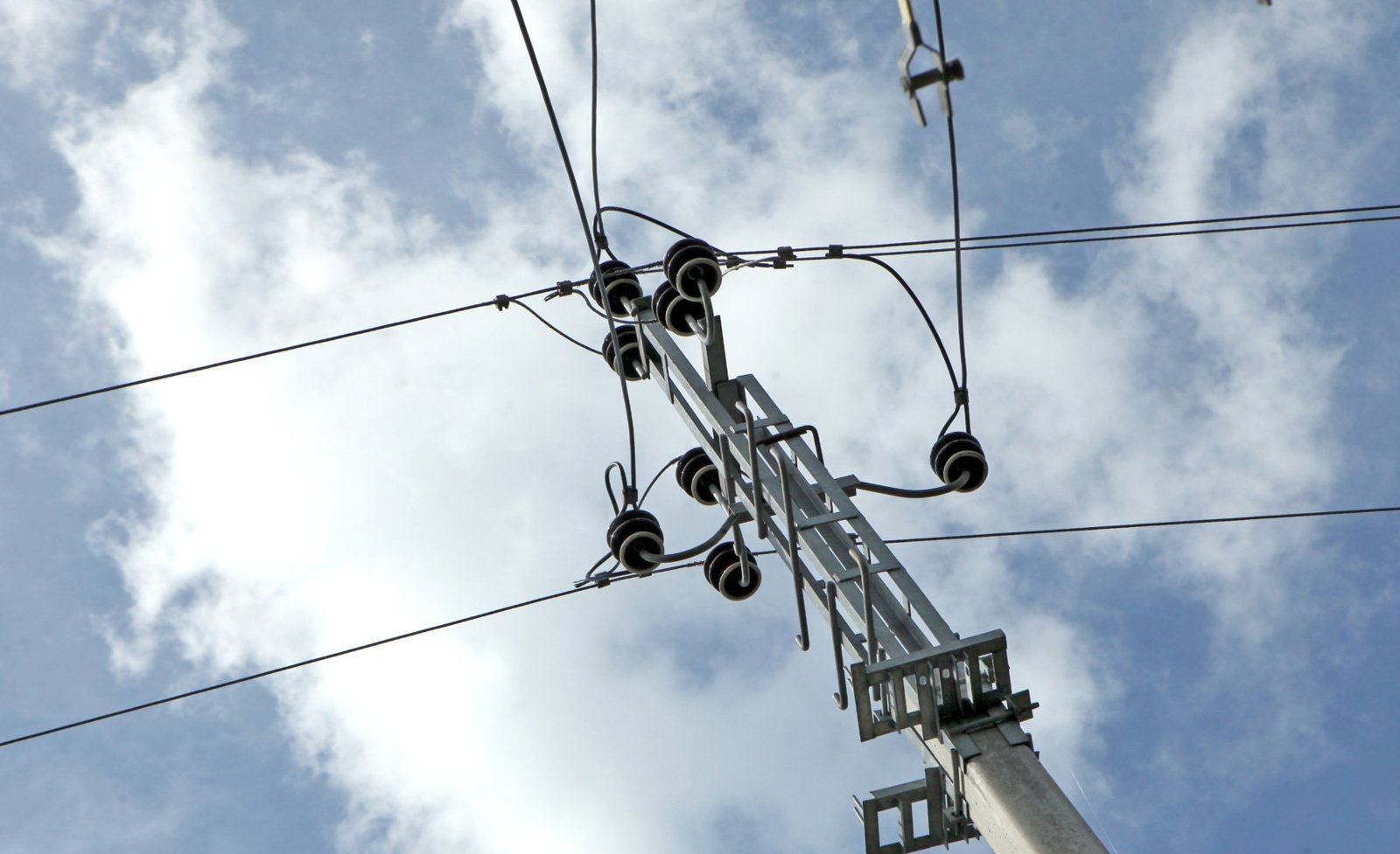 ESO: trečiadienio vakarą be elektros dar yra apie 25 tūkst. namų ūkių