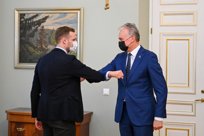 Įvertino Lietuvos užsienio politiką pandemijos metu: G. Nausėdai trūksta aktyvumo, G. Landsbergiui – konkrečių darbų