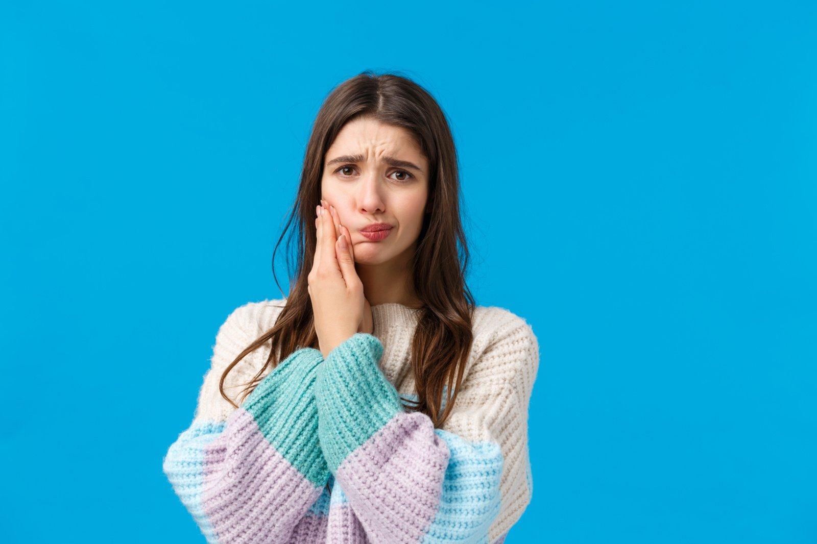 20 natūralių būdų, padėsiančių numalšinti danties skausmą