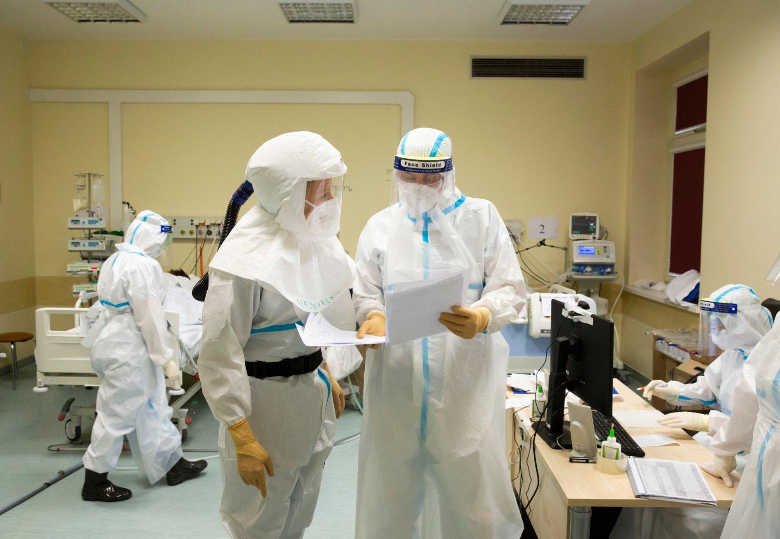 Ligoninėse gydomi 517 COVID-19 pacientų, 62 iš jų – reanimacijoje