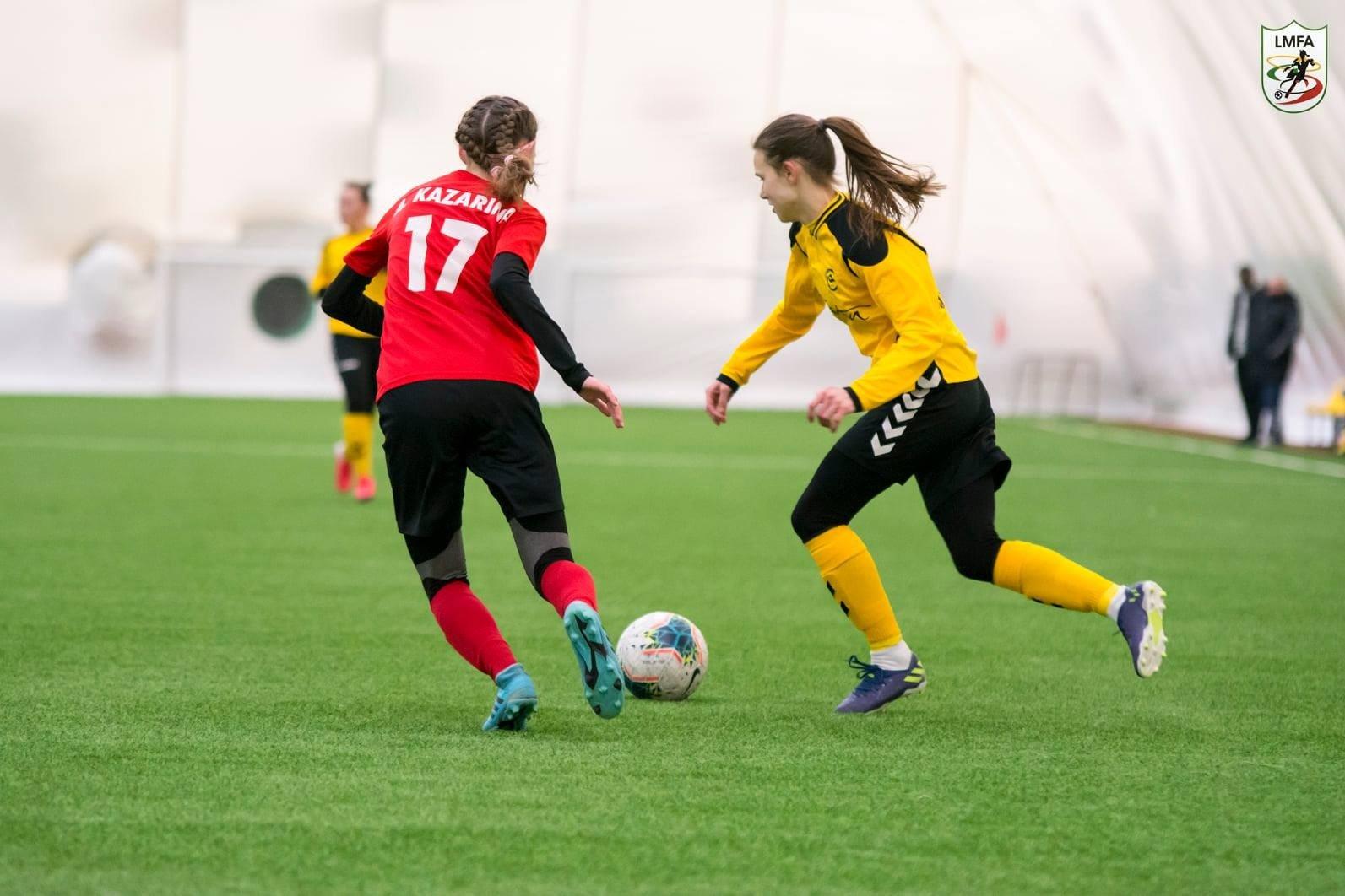 Į komandą sugrįžusi Simona Veličkaitė: didžiausią įtaką padarė didelis noras žaisti futbolą