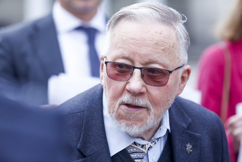 Vilniaus politikai spręs, ar suteikti Vilniaus garbės piliečio vardą V. Landsbergiui