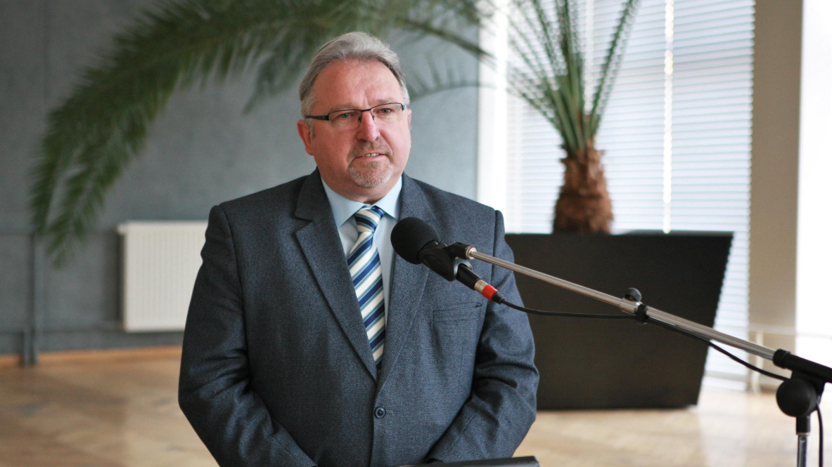"""Apdovanotas ordino  """"Už nuopelnus Lietuvai"""" Riterio kryžiumi"""