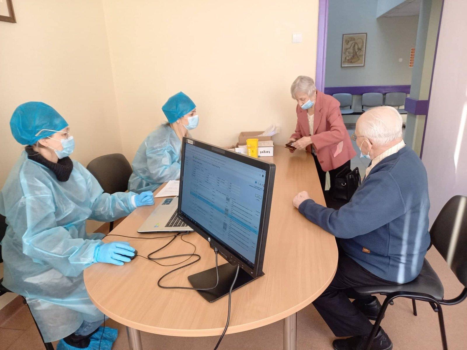 Marijampolėje prasidėjo senjorų vakcinavimas nuo COVID-19