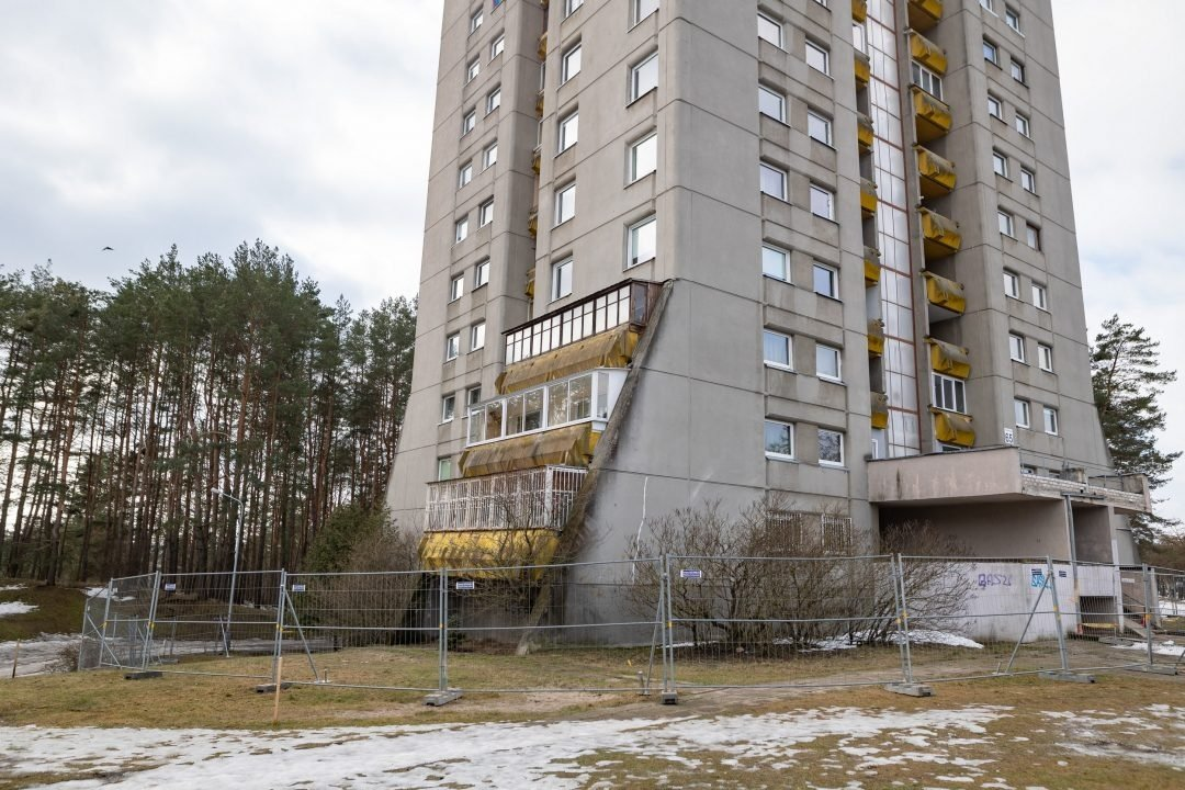 Pamoka Vilniaus daugiabučio gyventojams: namo atnaujinimu rūpintis būtina, kol jis nėra avarinės būklės