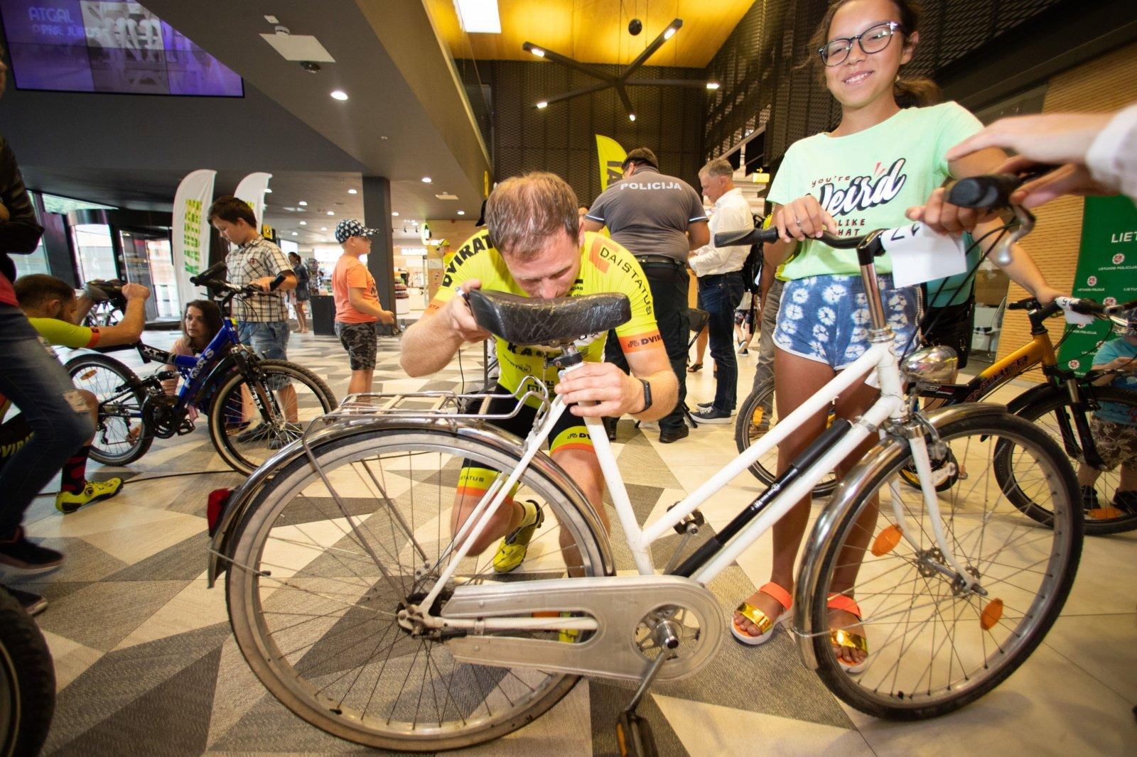 Antram gyvenimui prikels nebenaudojamus dviračius ir dovanos juos Kauno vaikams