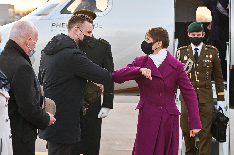 Į Lietuvą atvykusią Estijos prezidentę pasitiko užsienio reikalų ministras
