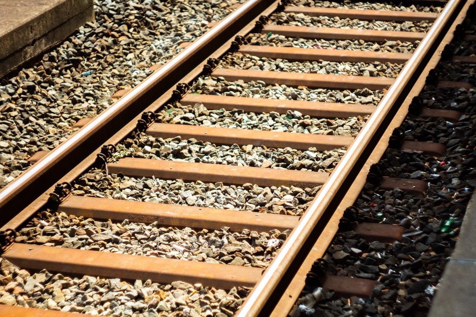 Bus uždaroma Lentvario geležinkelio pervaža