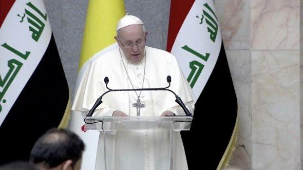 Popiežius Pranciškus per istorinį vizitą Irake paragino nutraukti smurtą