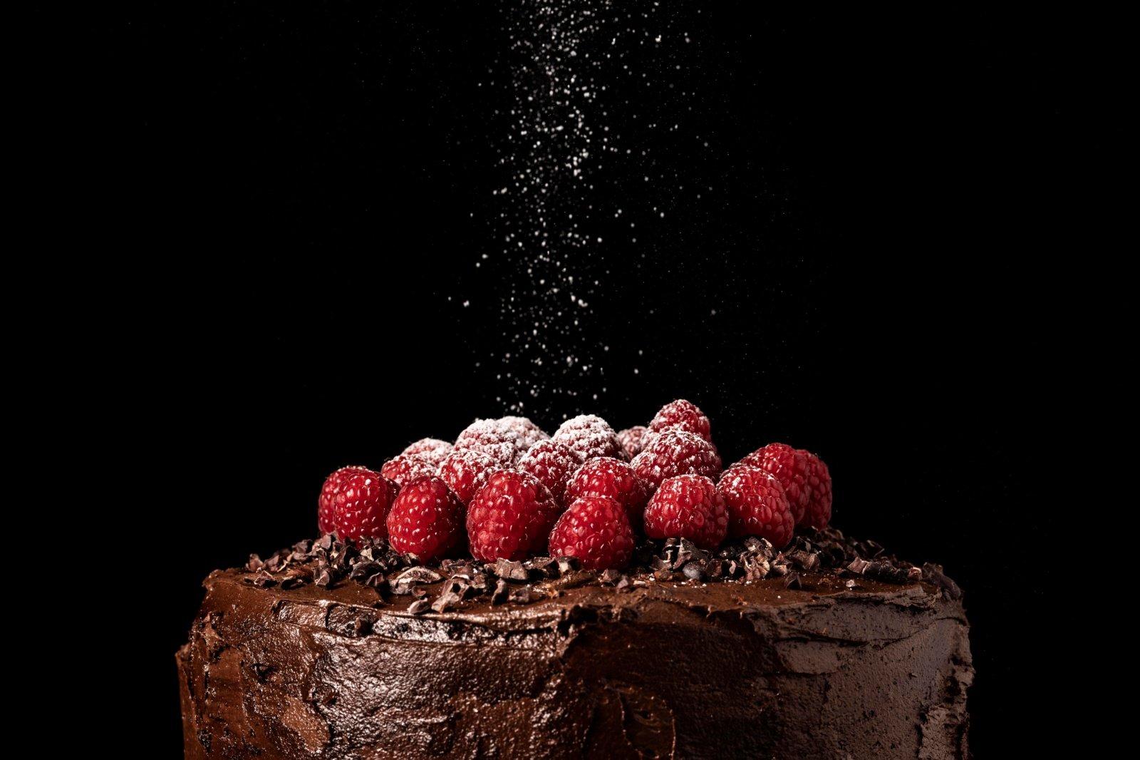 Šokoladinis tortas vos iš 4 ingredientų: užtruksite tik 10 minučių
