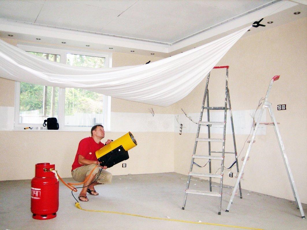 Kaip išsirinkti įtempiamų lubų plėvelę? 4 patarimai