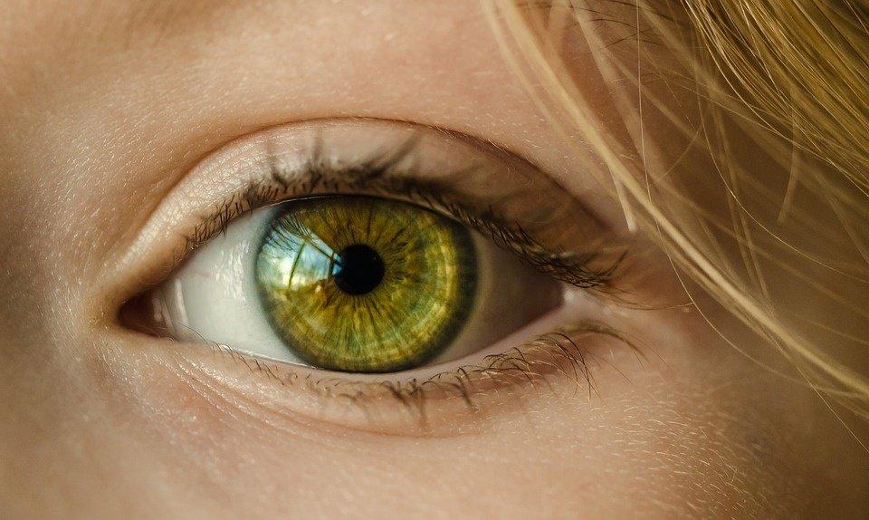 """Ką jūsų akys gali """"papasakoti"""" apie širdies ligas?"""