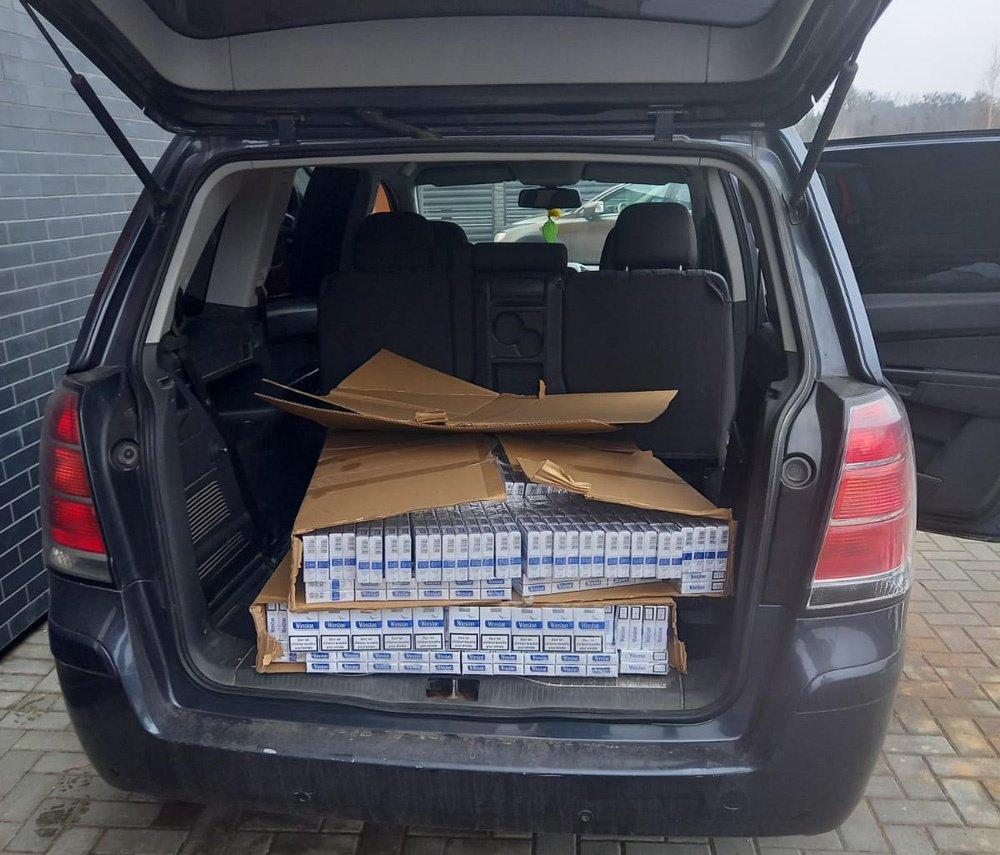 Pagėgių pasieniečiams Kaune su įkalčiais įkliuvo rūkalus gabenęs vyras