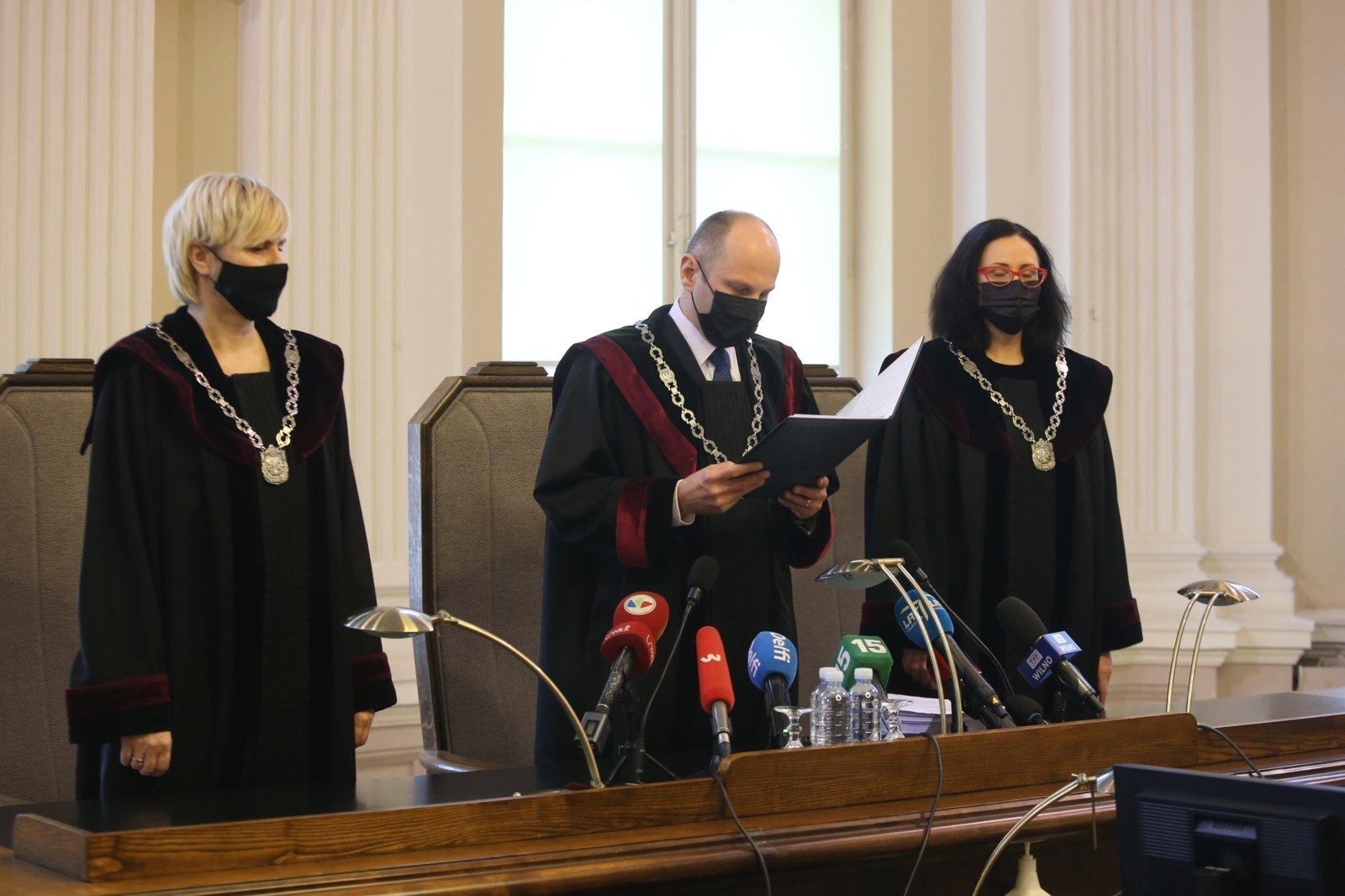 Teismas Sausio 13-osios byloje sugriežtino bausmes J. Meliui ir G. Ivanovui
