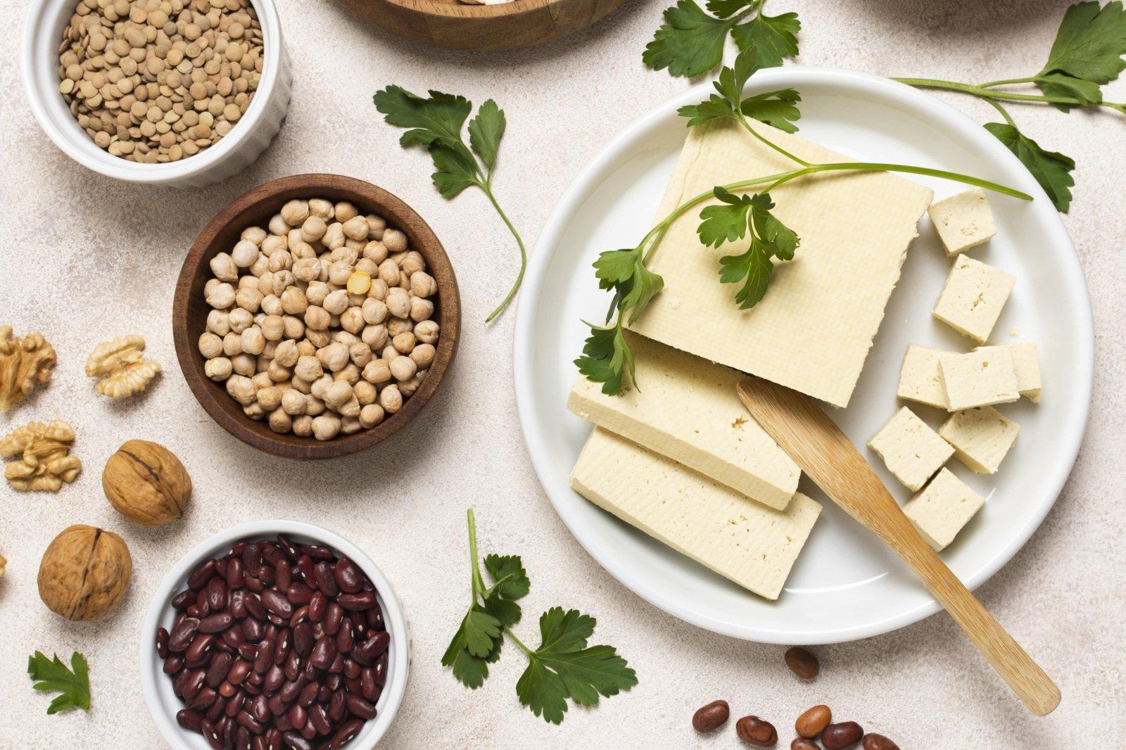 Veganiški sūriai - ne tik tofu. Ko dar paskanauti?