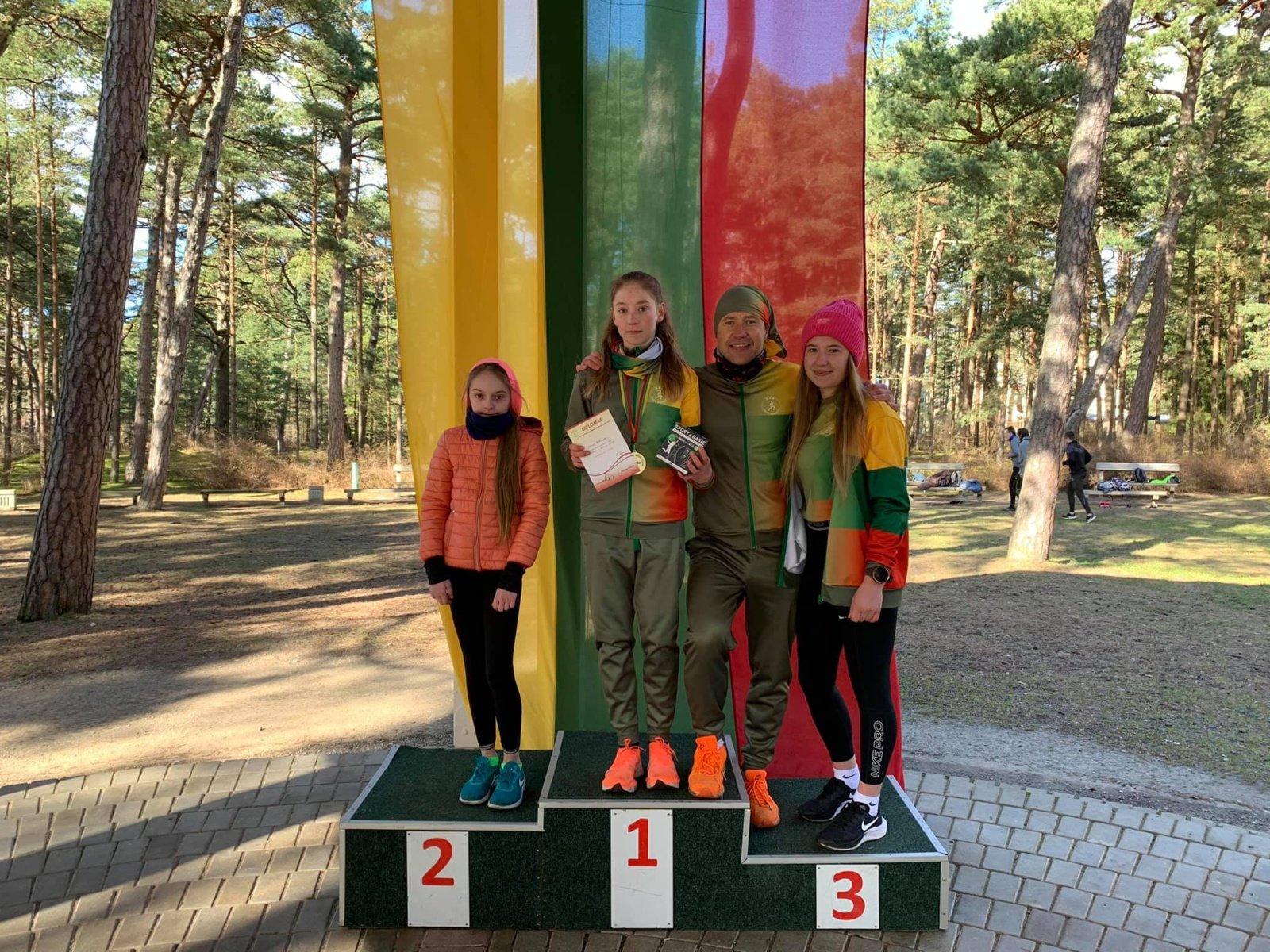 Sėkmingas Joniškio krašto bėgikų startas