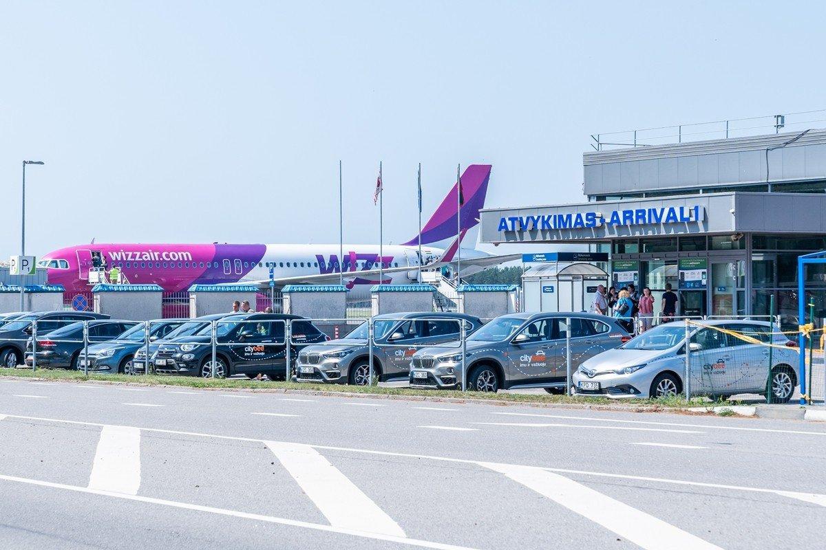 Greta Palangos oro uosto keliaujantiems bus teikiamos COVID-19 testavimo paslaugos