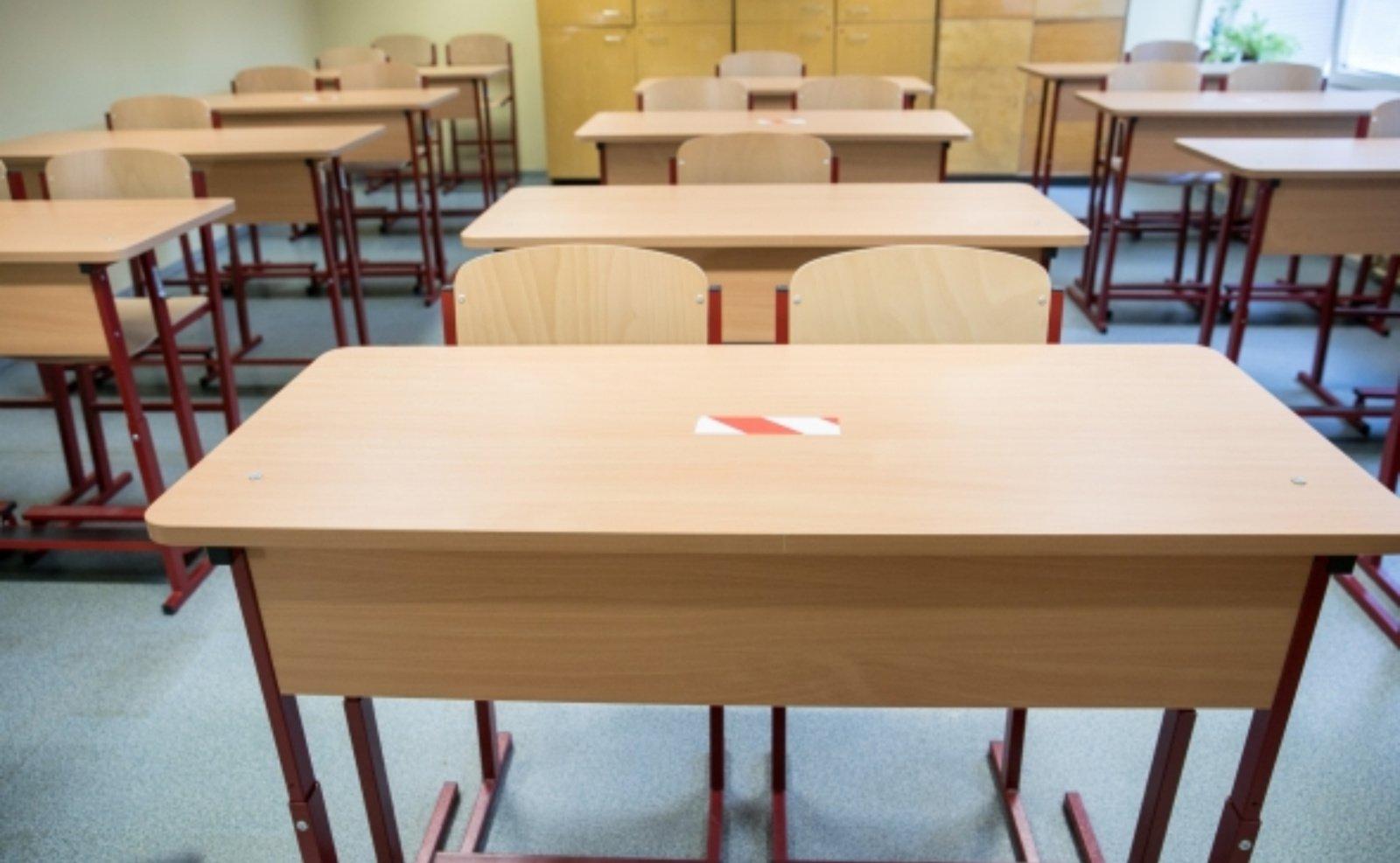 Abiturientams į mokyklas planuojama leisti grįžti nuo gegužės 3-iosios