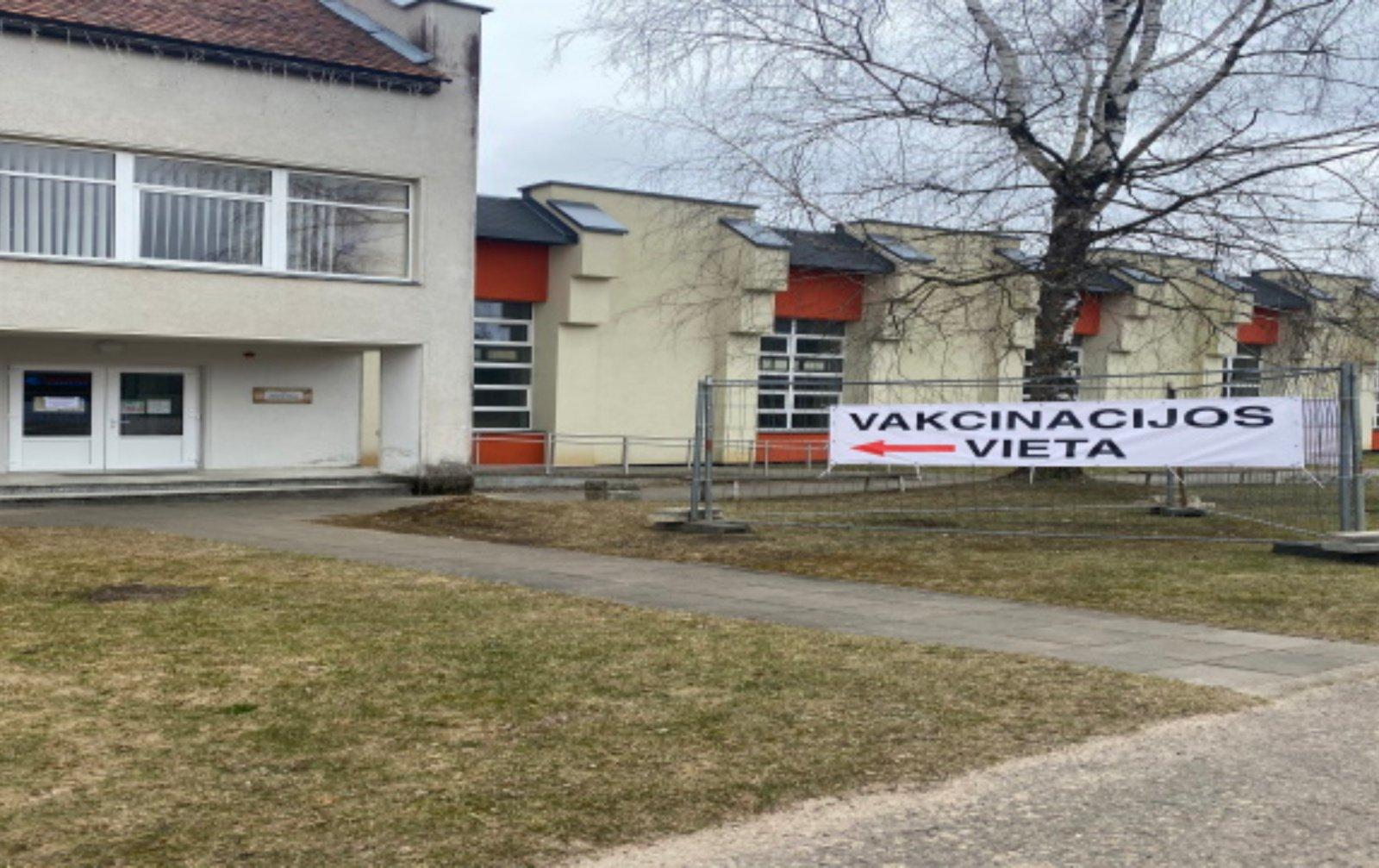 Vakcinacijos centras veikia ir laukia molėtiškių