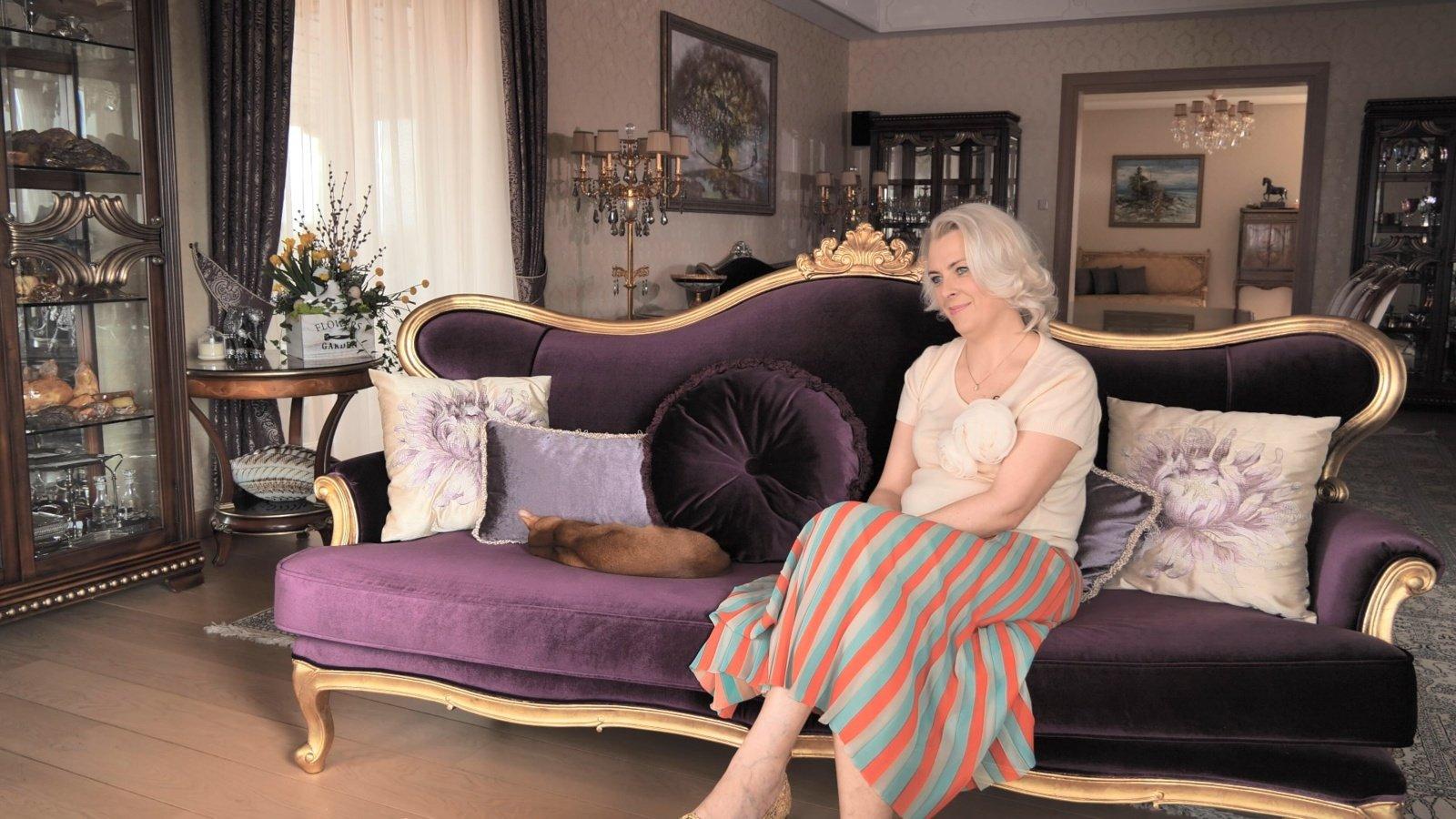 """Vieno turtingiausių šalies verslininkų žmona R. Stonienė: """"Meilė vyrui trenkė kaip žaibas"""""""