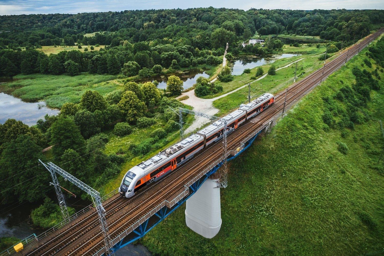 Šiaulių geležinkelio stoties peronai paskelbti nerūkymo zona